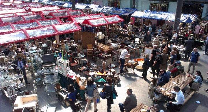 Busy-Antique-Thursday-market-720x390